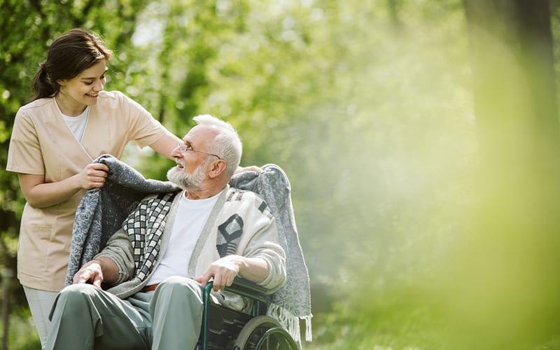 Como tratar incontinência urinária em idosos